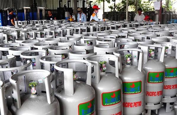 Từ ngày 1/11, giá gas giảm 40.000 đồng/ bình 12 kg